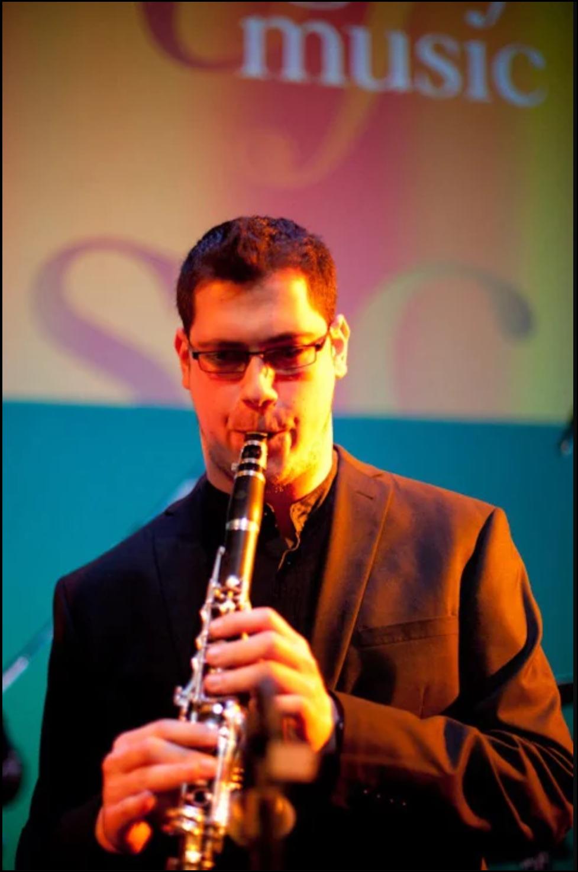 Miguel Ruiz profesor de clarinete y saxofón del curso de verano cuerdas al aire