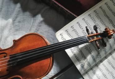 El prestigioso profesor Dr. Claudio Forcada impartirá un curso de pedagogía para instrumentos de cuerda